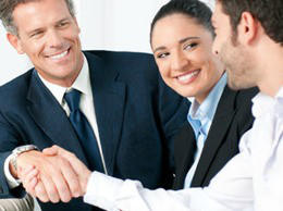 img-article-8-great-benefits-companies-offer-to-lure-top-talent_hs_blog